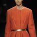 A narancsszín is menő: és az öv a kabáton szintén. Calvin Klein