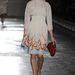 Lángoló ruhát villantott a Prada a tavaszi divathéten.