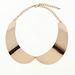 A második must have a gallért imitáló nyaklánc, mely mostanra eléggé elterjedt:a Bershkában aranyszín gallér kapható 3595 forintért