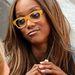 Tyra Banks szemüvegben