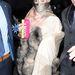 Az énekesnő megérkezett a londoni divathétre.