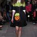 Moschino Cheap  Chic fiatalos, színes cipőket tervezett a nyárra.