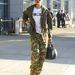 Rihanna nem cicózott, tetőtől-talpig katonának öltözött.