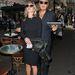 Kate Moss és a híres divatfotós, Mario Testino épp egy bemutatóra igyekszik