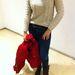 Zara: Ez a pulóver állítólag kézzel készült, és  164 centiméterig hordható. Ár:  7695 Ft