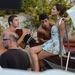 A Dolce & Gabban bevett modelljét, Bianca Baltit fotózzák Taormina partján