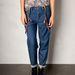 Betty Blue jelmezhez elengedhetetlen kantáros nadrág a Pull&Bearből 9995 forint.
