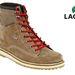 Az Office Shoes-ban sok Lacoste közül válogathatunk: a piros fűzős, barna bakancsok már tavaly divatban voltak, és nem is néznek ki rosszul, csak ez pont 49990 forint