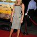 Jennifer Aniston általában fekete estélyiben vagy farmerben pózol a lesifotósoknak.