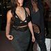 Kardashianra jellemző az előnytelen ruha választás.