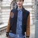 Niels Oostenbrink blogger bevállalta februári londoni divathétre a bőr rövidgatyát.