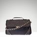 Stradivarius: ha már mindenünk fekete, legyen a táskánk is az. 12995 forint