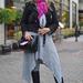 Kabát, ruha és sapka: Pyton, Sál: Pimkie, Táska: H&M, Csizma: Stradivarius