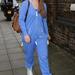 Ella Henderson az angol X Factor egyik sztárja pizsamában járkál az utcán.