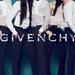 Először csak rápróbálták a női ruhákat, aztán ő lett a Givenchy arca is.