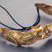 Arany színt kapott levél koszorú 38.500 forintért.