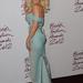 Rita Ora csillagos estélyiben érkezett