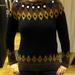 Mango: Lehet, hogy ezzel a pulóverrel nem nyer fődíjat senki, de szépnek se mondanánk. Ár: 14995 Ft