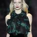 Gin alapú koktélhoz dukál a Gucci méregzöld ruhája