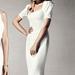 Roland Mouret átgondolta a klasszikus menyasszonyi ruha vonalat