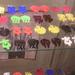 Túlárazott műanyag fülbevalók 3200 forinttól az Eventuell Galériában.