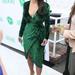 Kim Kardashian valamilyen Santa Monica-i eseményre választotta ezt a ruhát: a Midori Makeover Parlouron anyjával vett részt még szeptemberben.
