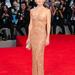 Kate Hudson a Velencei filmfesztiválon Atelier Versace estélyiben vonult a vörös szőnyegre. Isteni.