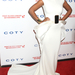 Már csak abból is látszik, milyen ismert Solange Knowles, hogy rengeteg gálán részt vett 2012-ben: áprilisban a hatodik éves  DKMS Gálán pózolt fehér estélyiben, New Yorkban.