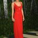 A színésznő az Oscar gála utáni Vanity Fair buliba egy merészen kivágott vörös ruhában érkezett: Krugernek minden jól áll.