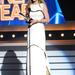 Az énekesnőnek bérelt helye van a legjobban öltözöttek között, sose nyúl melé: áprilisban isteni fehér estélyiben vette át a legjobb énekesnőnek járó díjat a 47. éves Academy Of Country Music Awards-on.
