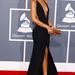 Rihanna a Grammy díjátadón merész Giorgio Armani estélyit villantott. Mindenki odáig volt érte.