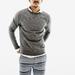 A rövidnadrág ára 7000 forint, a pulóver még olcsóbb.