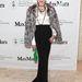 Amy Fine Collins, a Vanity Fair munkatársának elegáns összeállításához talán még jobban illik a (mű)szőrme.