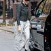Sarah Jessica Parker cipője úgy csillog, hogy napszemüveg is kell hozzá.