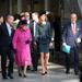 2012 február: Katalin hercegné is rendesen öltözködik, a királynő szeret is vele mutatkozni.