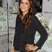 Rachel Bilson nyári szoknyában és kabátban