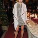 Camilla Belle cipőjéhez passzoló kabátot választott a londoni Ferragamo Partyra