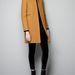 Mustár barna egyenes szabású kabát a Zarában 29995 forint.