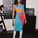 Colour blocking: Padma Lakshmi ruhájánál csak fehér csizmája a megdöbbentőbb.