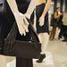 A designer kollaborációknak befellegzett. A Margiela kollekció hidegen hagyta a H&M vásárlóit. Ezt a táskát teljes áron 35990 forintért kínálták, de leárazva 12990-ért meg lehetett kapni decemberben.