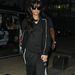 Rihanna fekete Adidasban és koronában