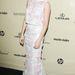 Sienna Miller olyan, mint egy vénkisasszony az Erdem ruhában.