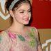 Ariel Winter - a színes hímzéseket kicsit ellensúlyozza a gyémánt fejpánt. A ruha egy Valentino.