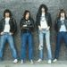 Az első punk zenekar, a Ramones tagjai farmerben