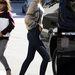Miranda Kerr papucscipővel hordja szűk farmernadrágját