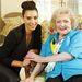 Január 9: Kardashian és Betty White valahol Európában