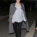 Január 12: Kardashian a Los Angeles-i reptéren kényelmes ruhában.