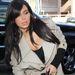 Kim Kardashian a Los Angeles-i paparazzikat lepte meg új hajával