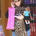 Jennifer Garner és az ő óriás méretű állatmintás sálja.