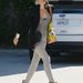 Gwen Stefani skinny farmerben és magassarkúban